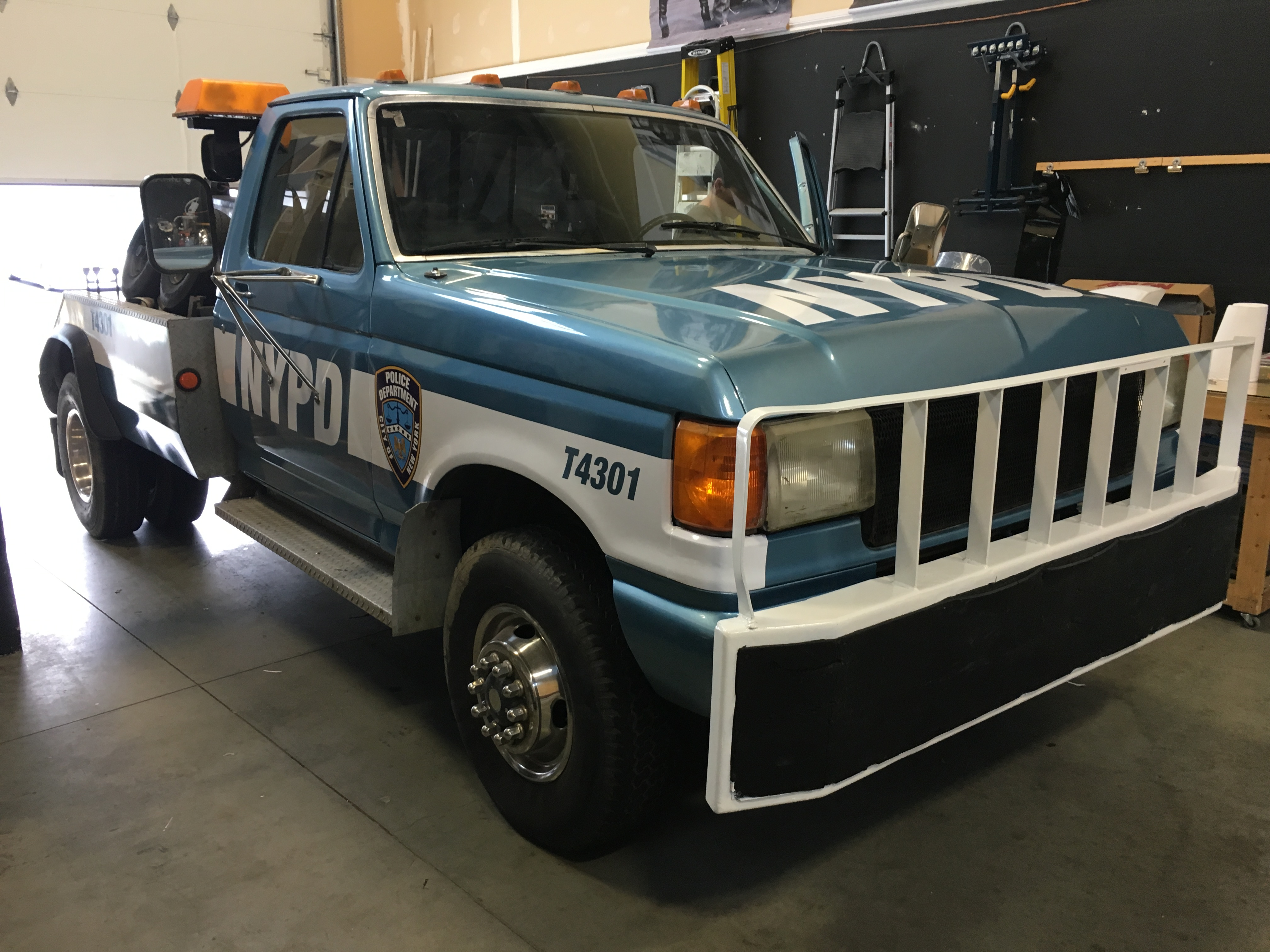1988 Ford Tow Truck